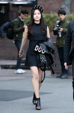 [포토] 손나은, '블랙 초미니 패션'