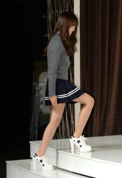 [포토] 김소현 '교복 치마가 너무 짧죠?'