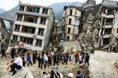 [네팔 대지진 현장] 깡통처럼 찌그러진 건물