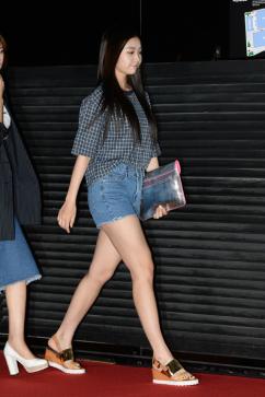 [포토] 헬로비너스 유영, '너무 짧은 핫팬츠'