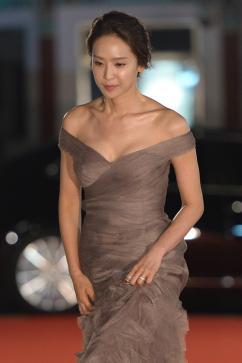 [포토] 박정아, '아찔한 가슴 라인'