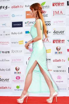 [포토] 모델 천보영, '아슬아슬' 보일 듯 말듯 한 드레스~
