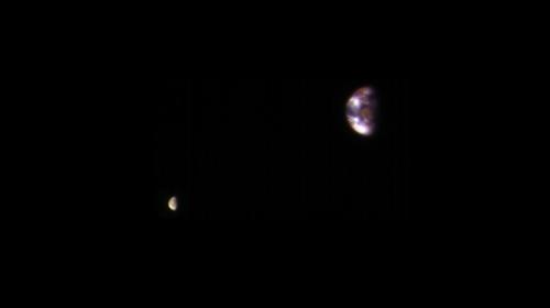 광활한 우주 속 연약한 우리별... 화성에..