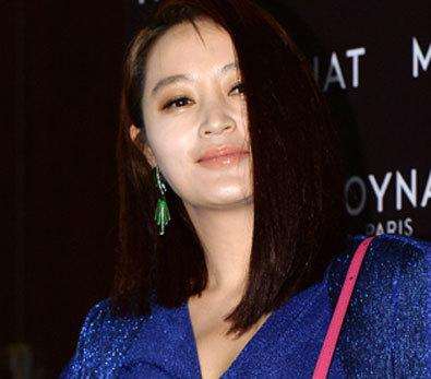 김혜수, '옷 뚫고 나온 볼륨감'