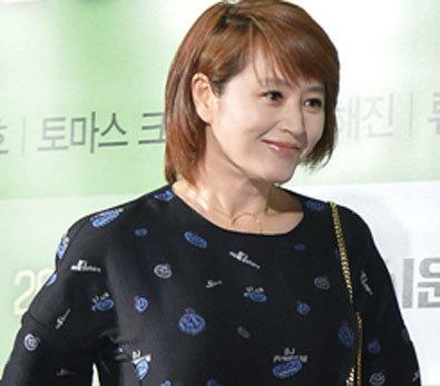 김혜수, '초미니 드레스 눈길'