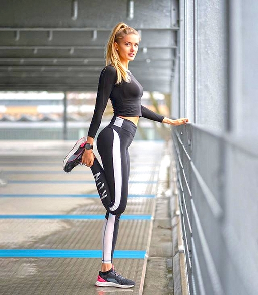 Who Is Alisa Schmidt The Sexiest Athletic Star In The World Bvb Invited As A Trainer